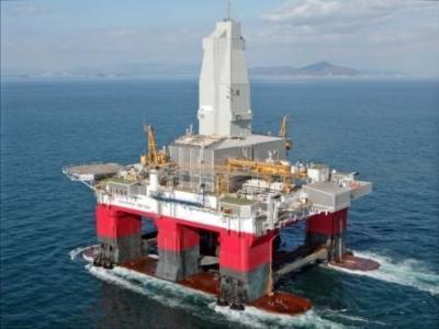 Castrol BioTac OG - это стойкая морская смазка для открытых передач самоходных мобильных буровых установок