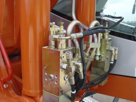 Гидравлические: гидравлические масла Gazpromneft, гидравлические масла Лукойл, гидравлические масла Роснефть, гидравлические масла ТНК, гидравлические масла Castrol, гидравлические масла и жидкости Mobil.